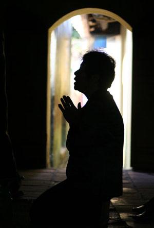 Niệm Phật để siêu độ hương linh