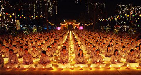 hp8 - Du lịch tâm linh đến những ngôi chùa nổi tiếng ở Sài Gòn