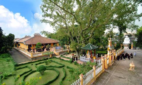 Về vấn đề bảo vệ và phát huy giá trị lịch sử - văn hóa chùa Giác Lâm