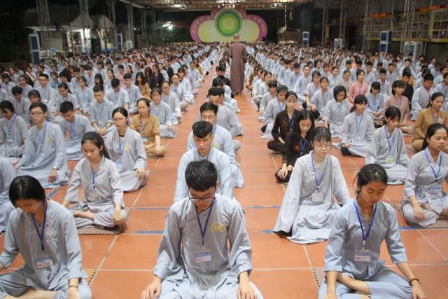 Gần 700 thiện sinh dự khóa tu mùa hè chùa Từ Xuyên
