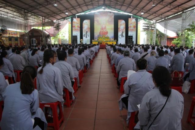 Gần 1000 Phật tử về chùa Từ Xuyên dự Đại lễ Vu Lan